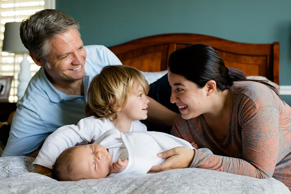 how much do foster parents get paid